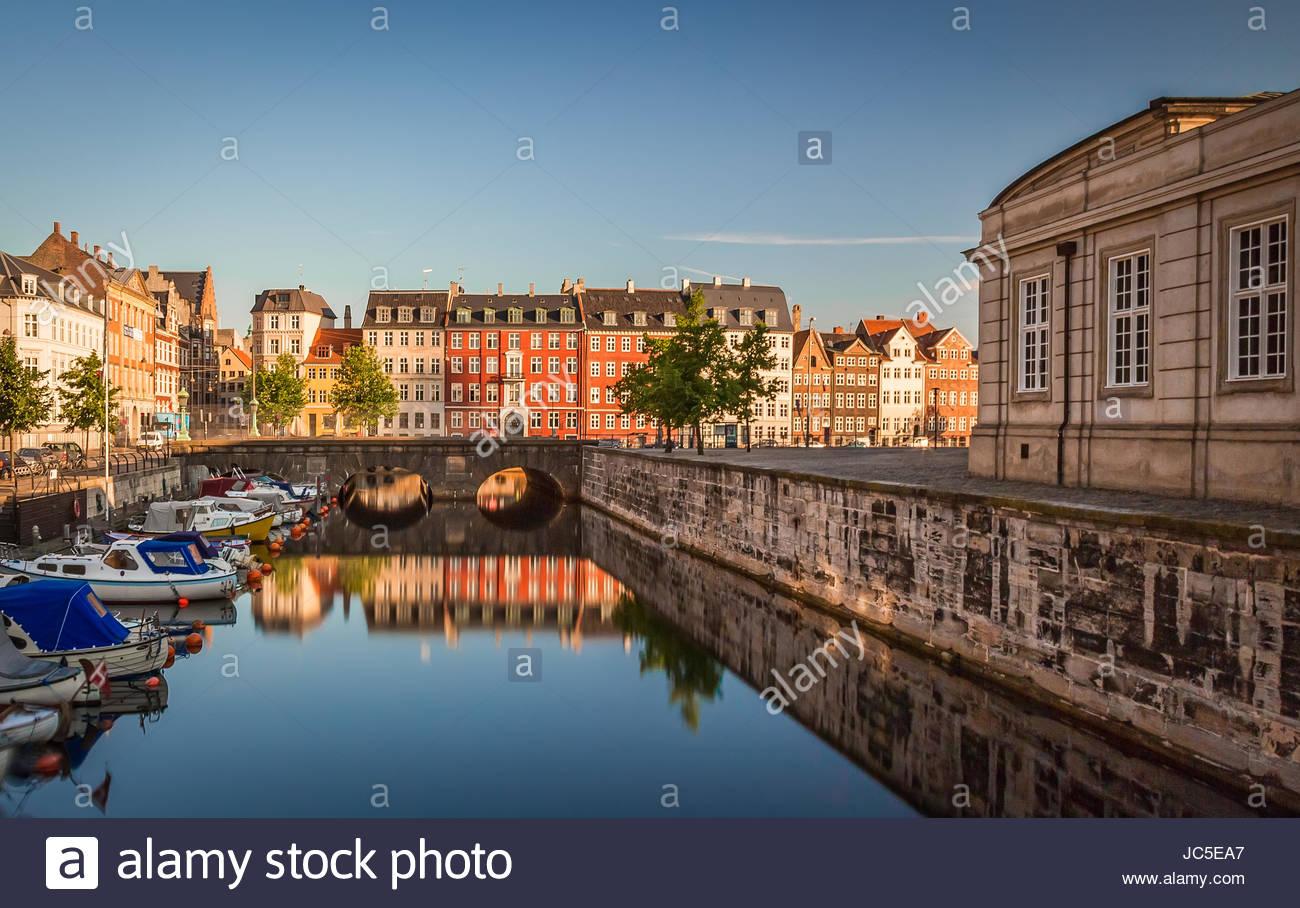 Kopenhagen erwacht an einem faulen Sommer morgen Stockbild