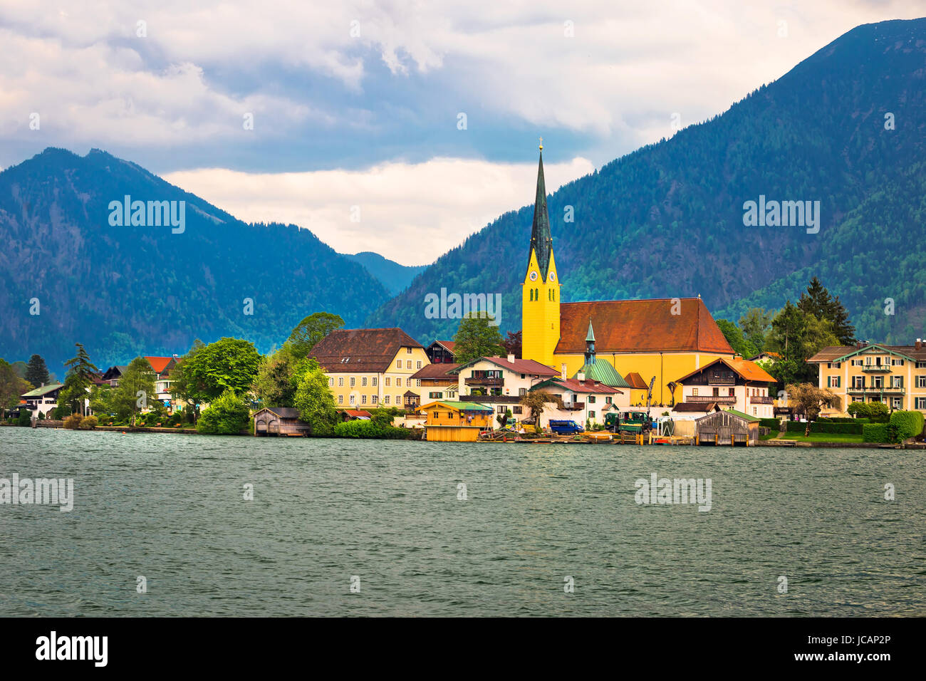 Tegernsee stockfotos tegernsee bilder alamy for Architektur und natur