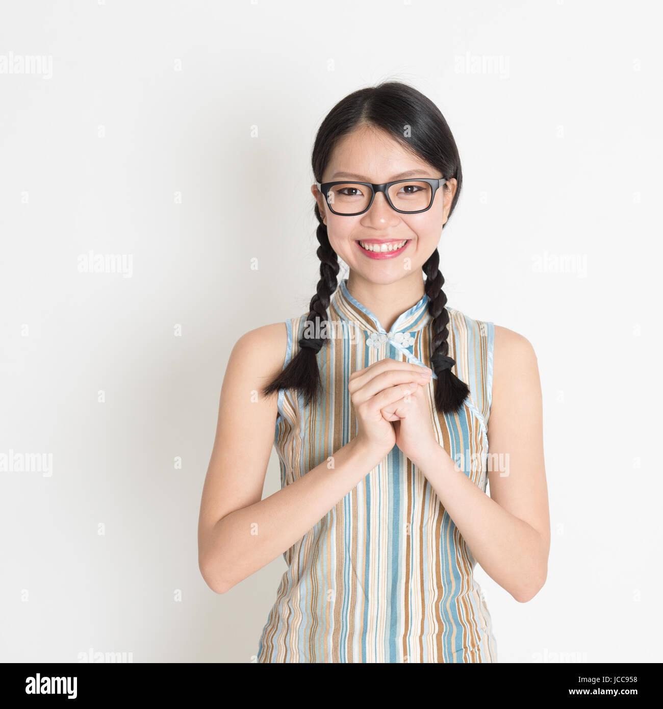 Frohes neues Jahr!! Porträt des chinesischen Asiatin Gruß, im ...