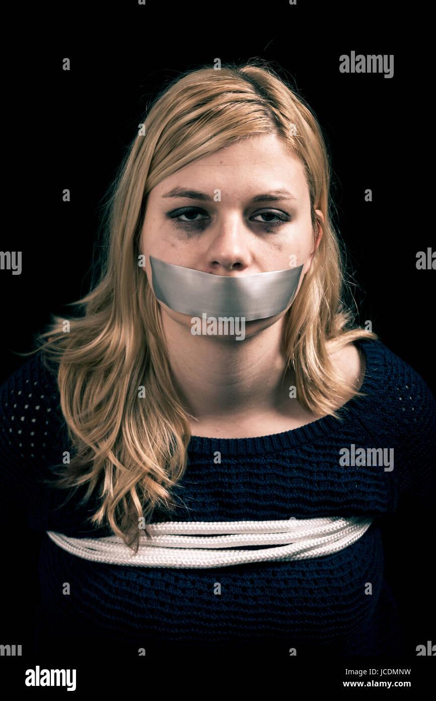 gruppensex bilder hilflos gefesselt und erregt