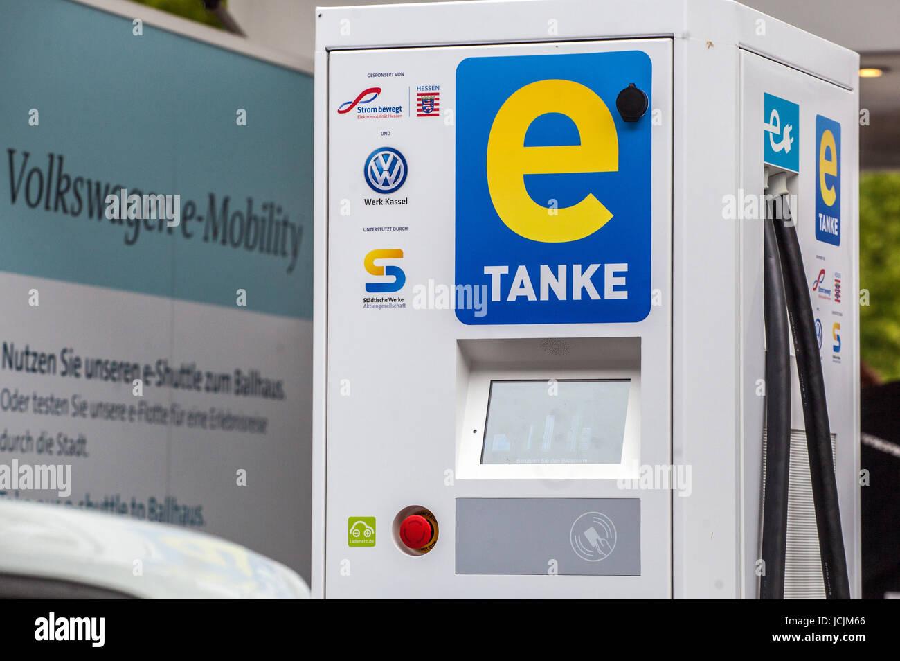 Ladestation für Elektro-Autos, Volkswagen, E-Mobilität, Kassel, Deutschland Stockbild