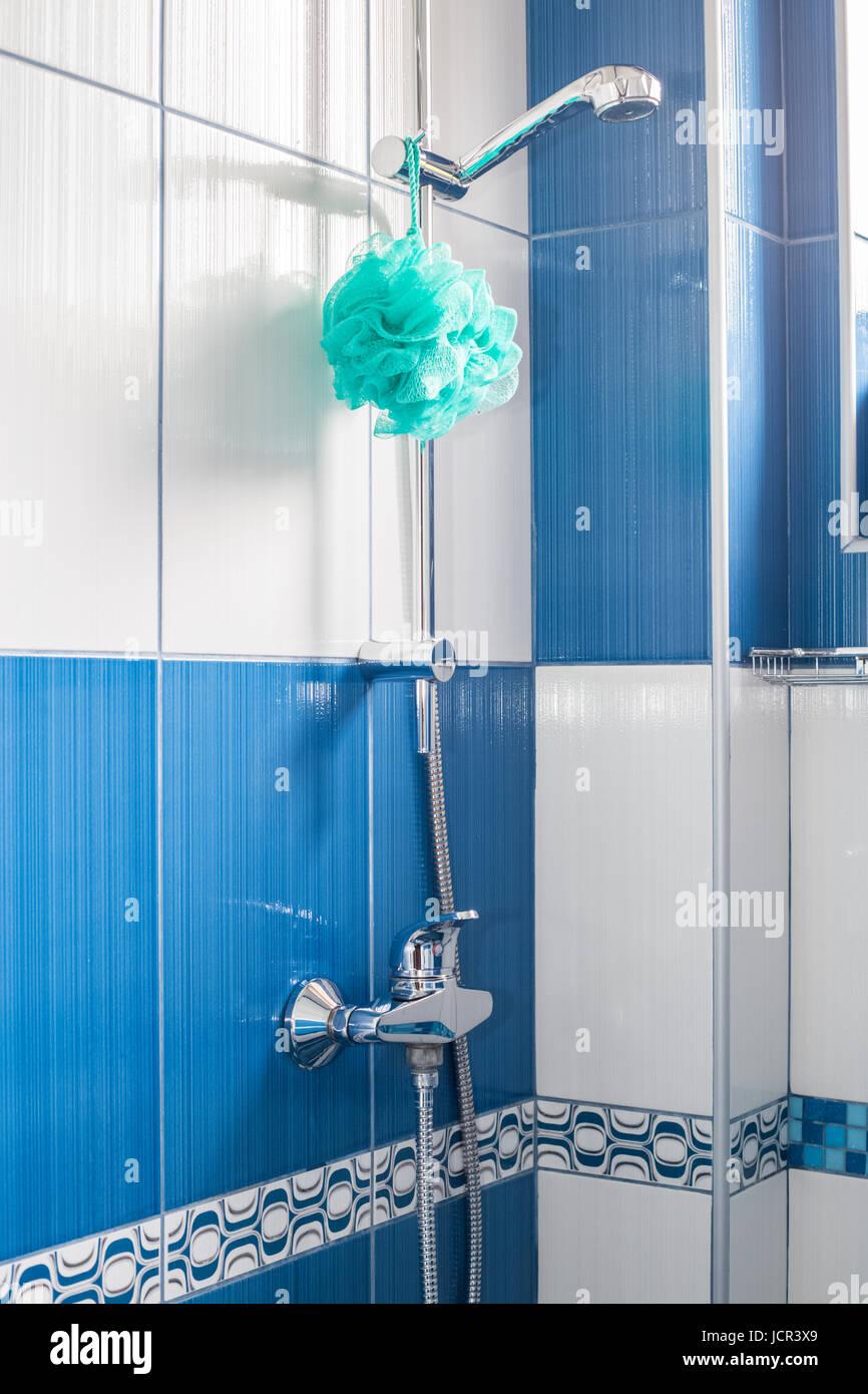 bathroom shower cubicle stockfotos bathroom shower cubicle bilder alamy. Black Bedroom Furniture Sets. Home Design Ideas