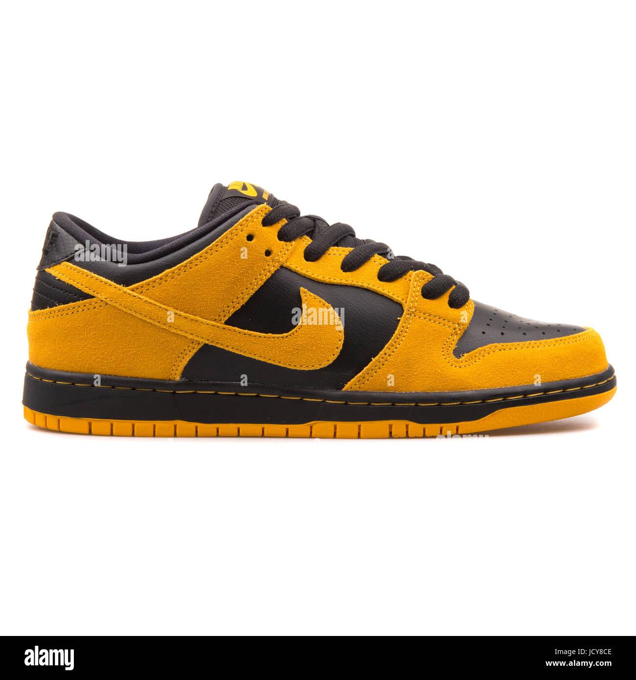 df5cc614f2 Nike Dunk Low Pro SB Gold Gelb und schwarz Herren Skateboarding Schuhe -  304292-706