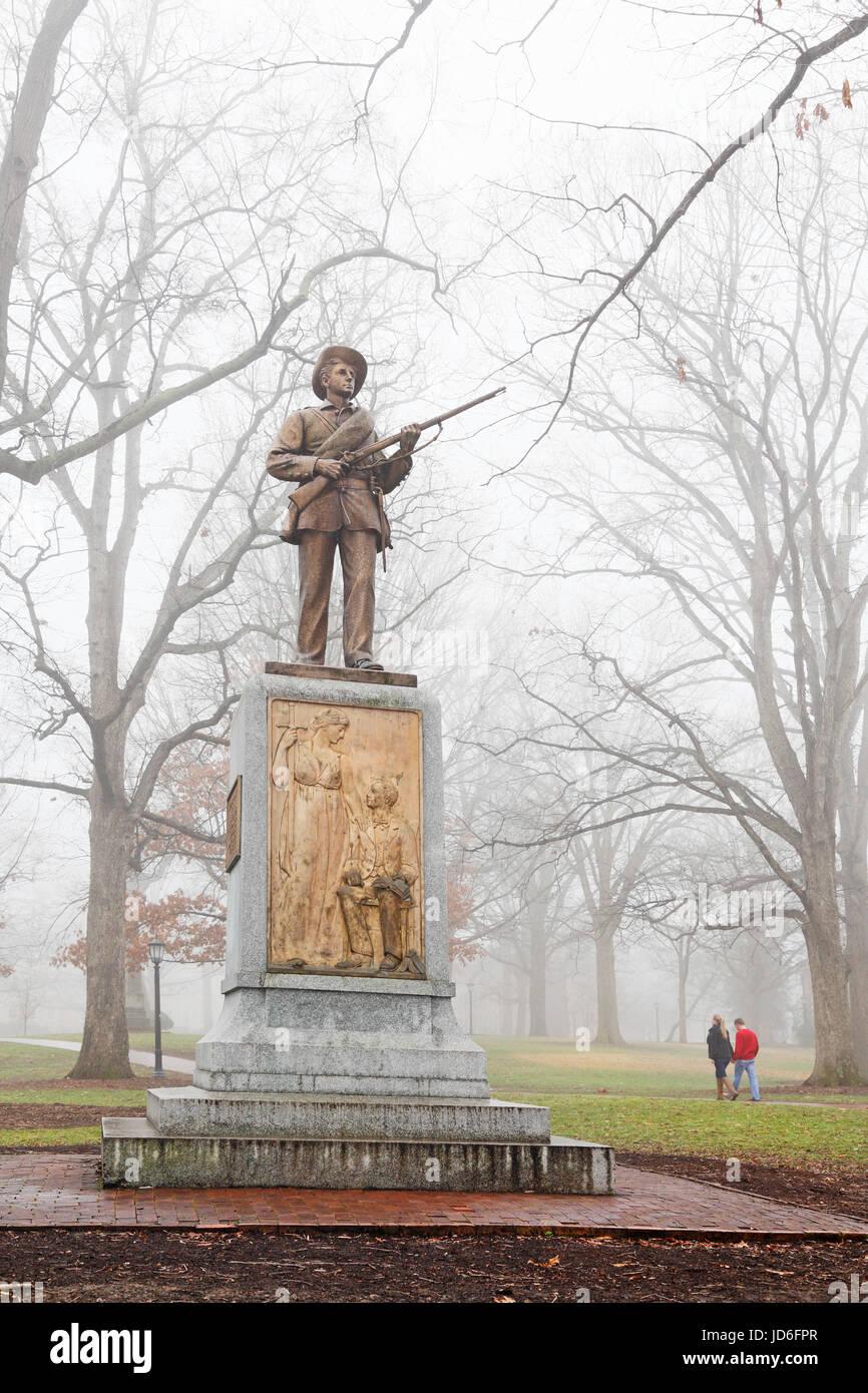 Leise Sam, Statue des konföderierten Soldaten, in Universität von North Carolina-Chapel Hill, UNC. Stockfoto