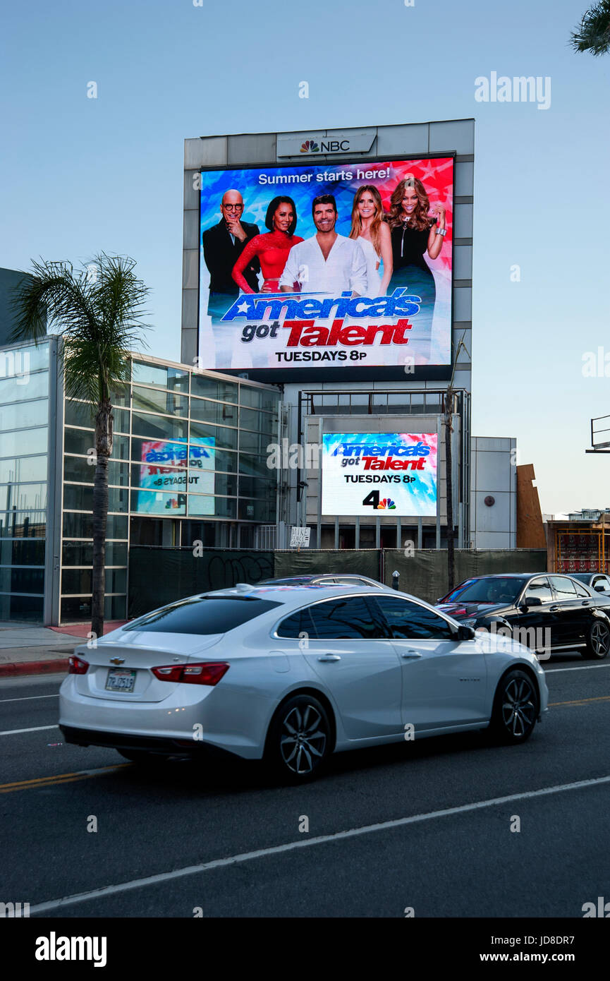 Digitale Plakatwand am Sunset Strip, die Förderung der Fernsehsender NBC show America es Got Talent in Los Stockbild