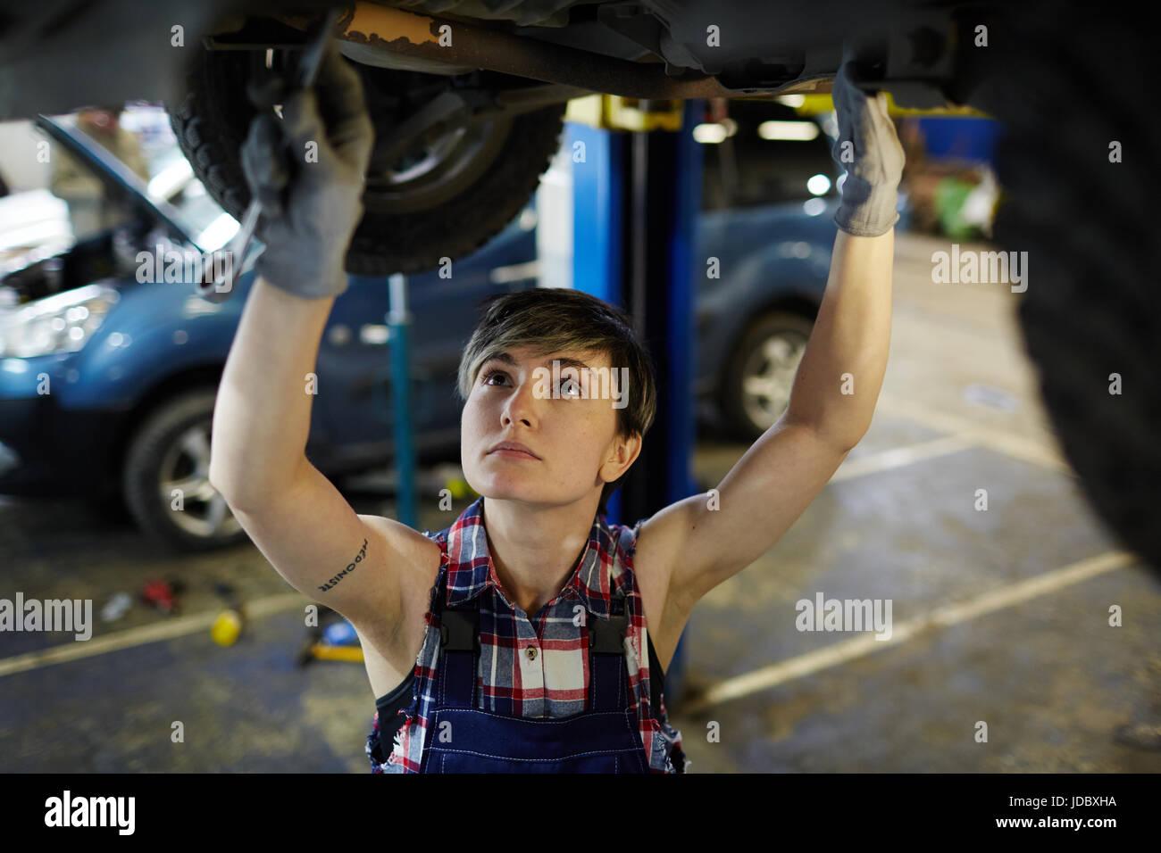 Techniker bei der Arbeit Stockbild