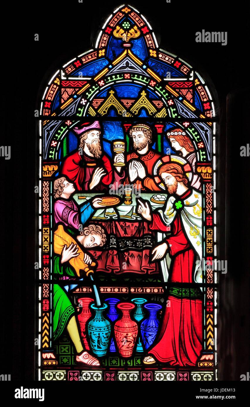 Leben von Jesus, Hochzeitsfest in Kana, Christus verwandelt Wasser in Wein, Glasfenster von Frederick Preedy, 1865, Stockbild