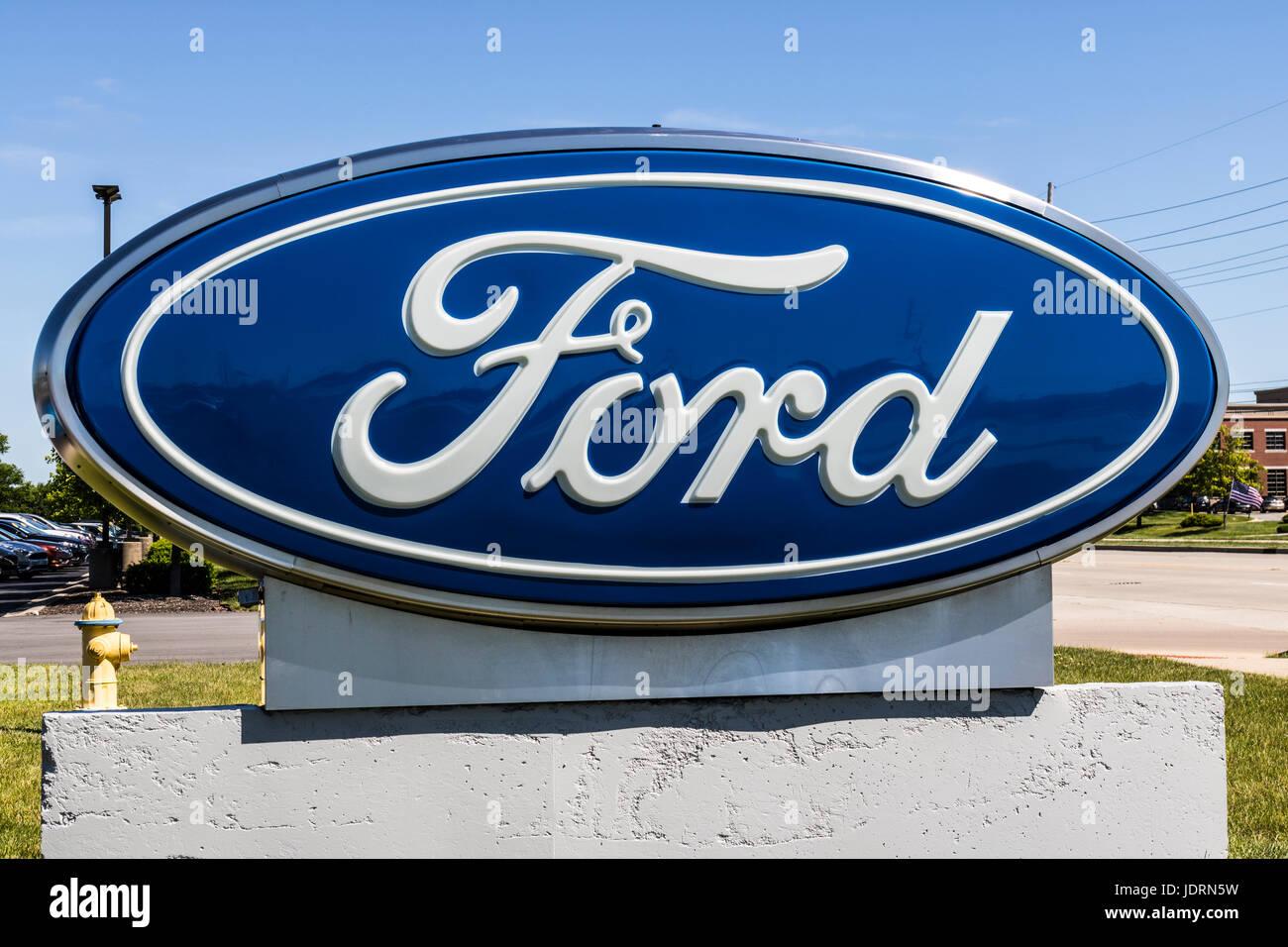 Indianapolis - ca. Juni 2017: Lokale Ford Auto und LKW-Händler. Ford verkauft Produkte unter den Marken Lincoln Stockbild