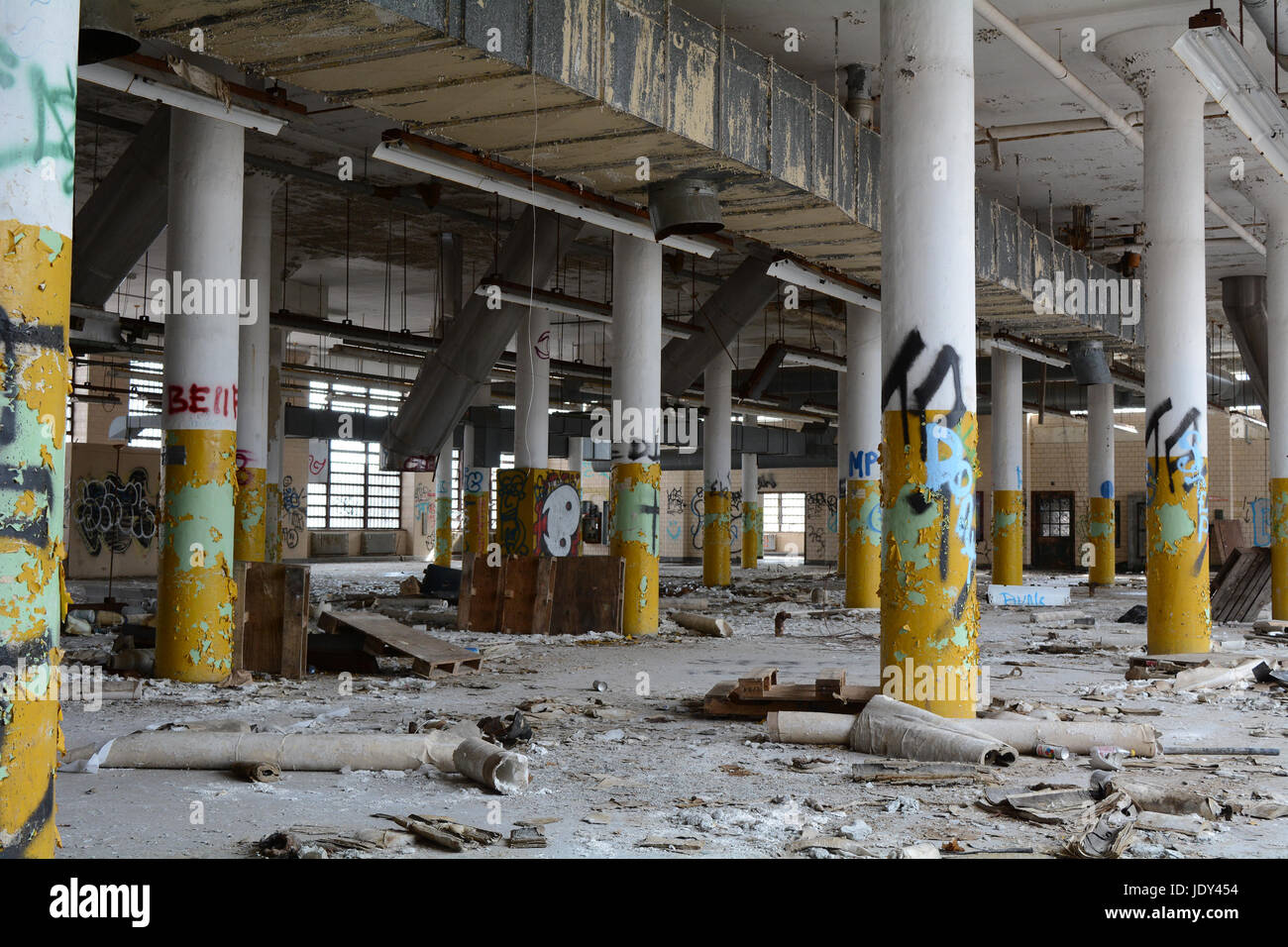 Verlassene Industrial Building in Kings Park psychiatrischen Krankenhaus Stockbild