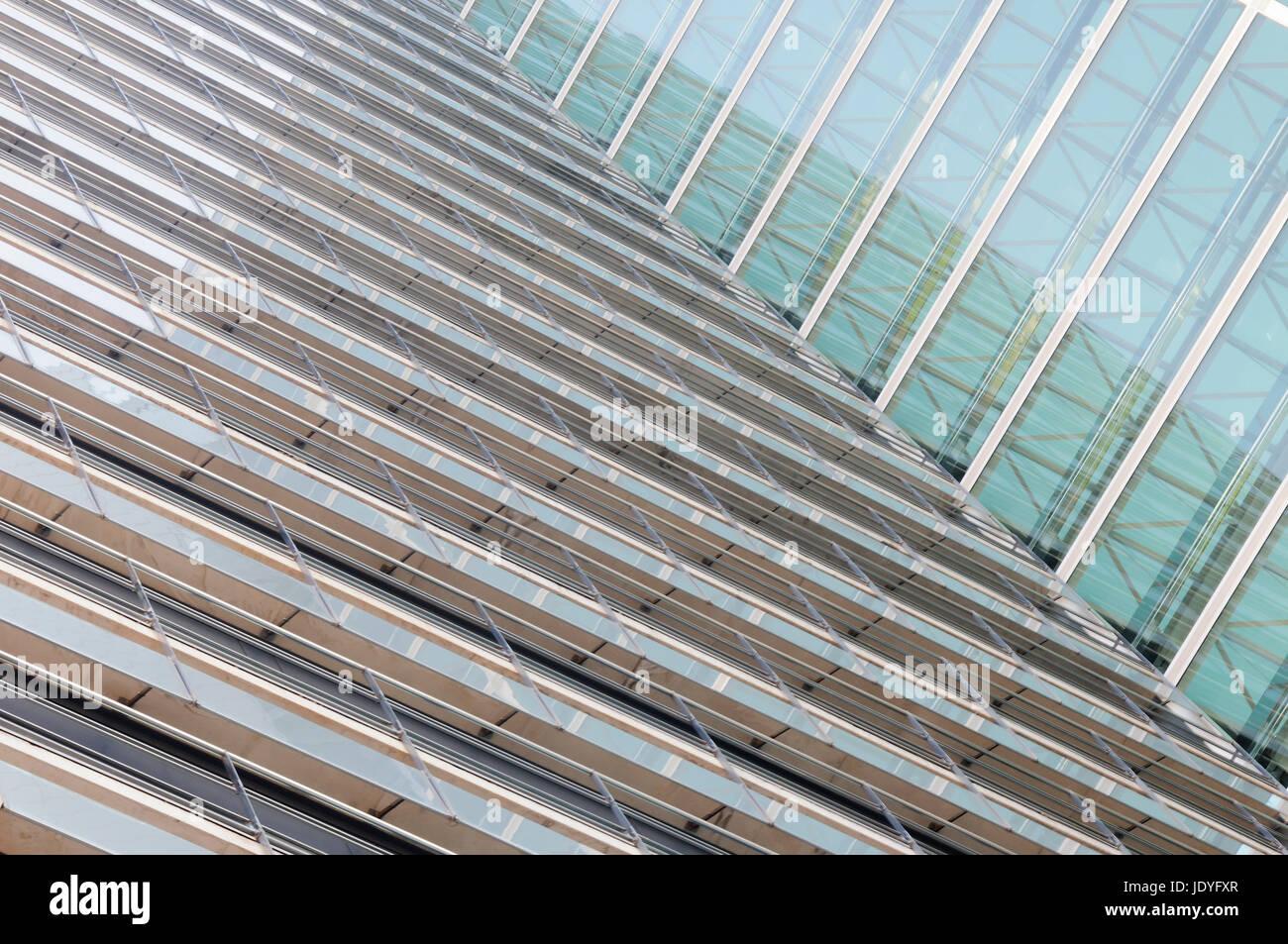 Abstrakter Hintergrund von Einer Glasfassade der modernen Architektur. Stockbild