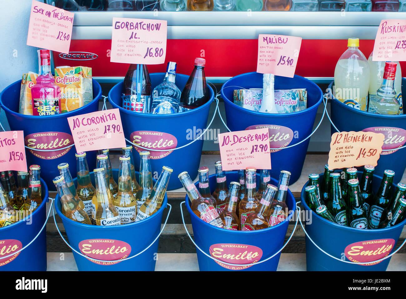 Details aus Einem Getränkeshop bin Berühmten Und Berüchtigten Playa de Palma, Mallorca, Spanien Stockbild