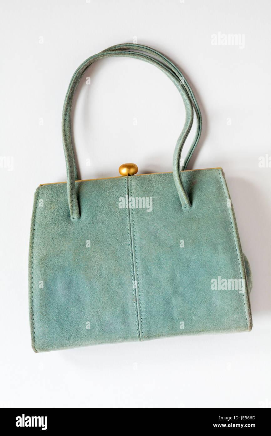 9439e7f377685 Leder grau blau Handtasche isoliert auf weißem Hintergrund Stockbild