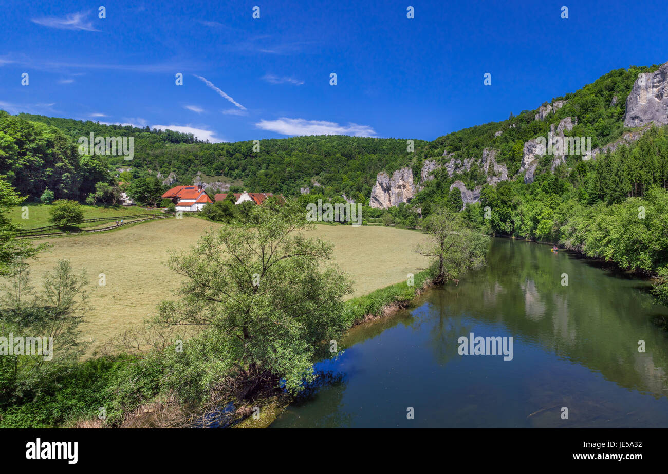 Donau in der Nähe von Thiergarten am oberen Donautal, Schwäbische Alb, Baden Württemberg, Deutschland, Stockbild