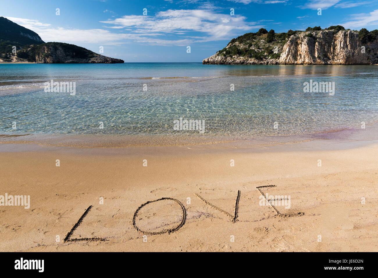 Schönste Strände Peloponnes Karte.Das Wort Liebe Geschrieben Auf Dem Sand Des Berühmten Voidokilia