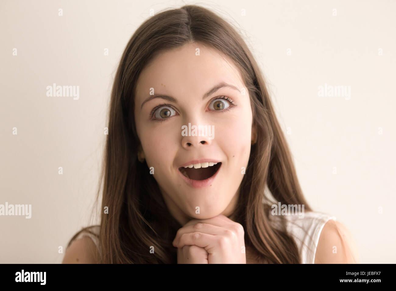Unglaubliches Facial Für Ein Fickbares Girl