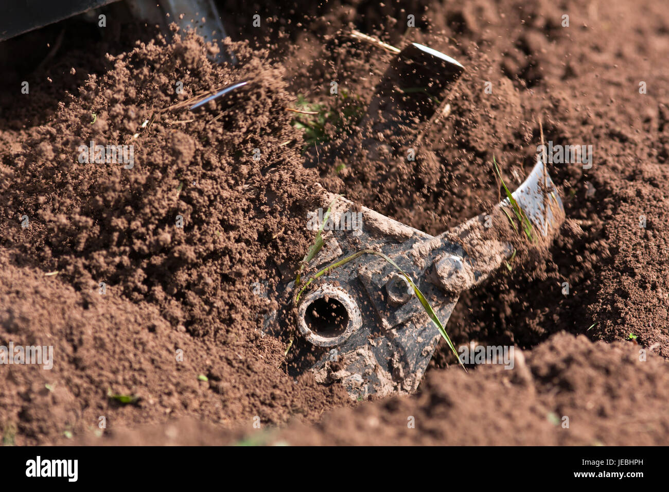 Muhle Von Pflugen Frase In Den Boden Im Garten Stockfoto Bild