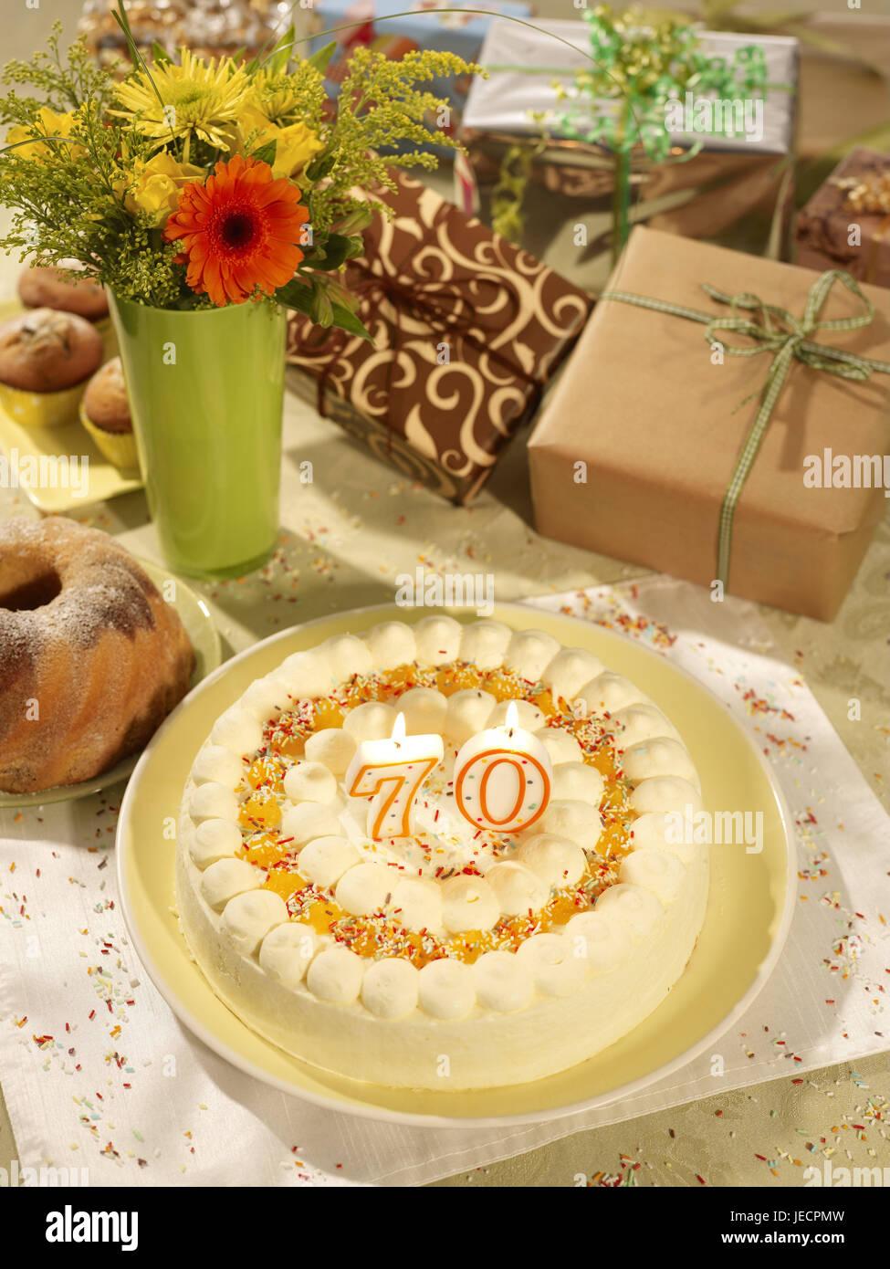 Geburtstagskuchen Skyers 70 Geschenke Blumen Geburtstagskuchen