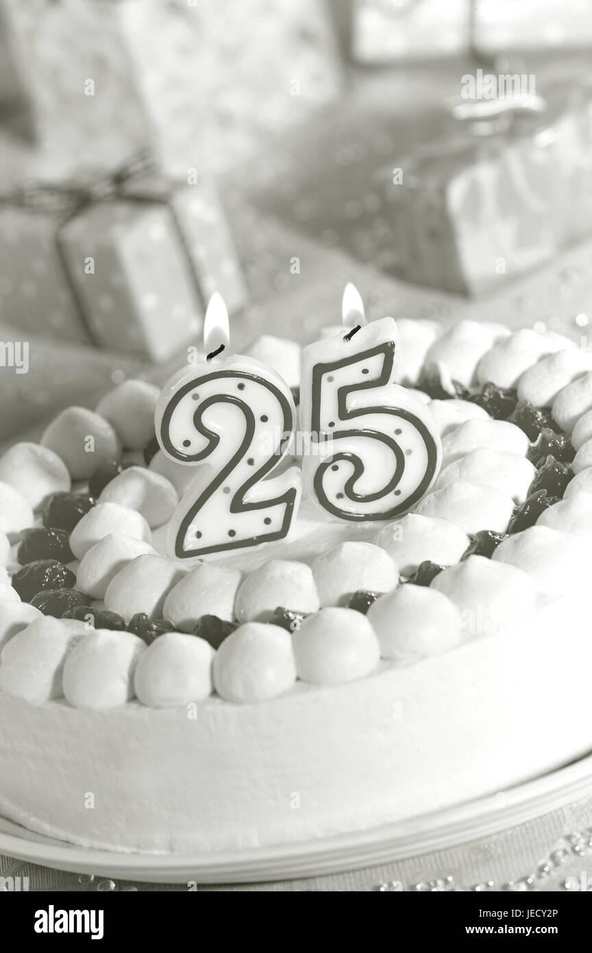 Geburtstagskuchen Skyers 25 Präsentiert Sw Geburtstag Kuchen