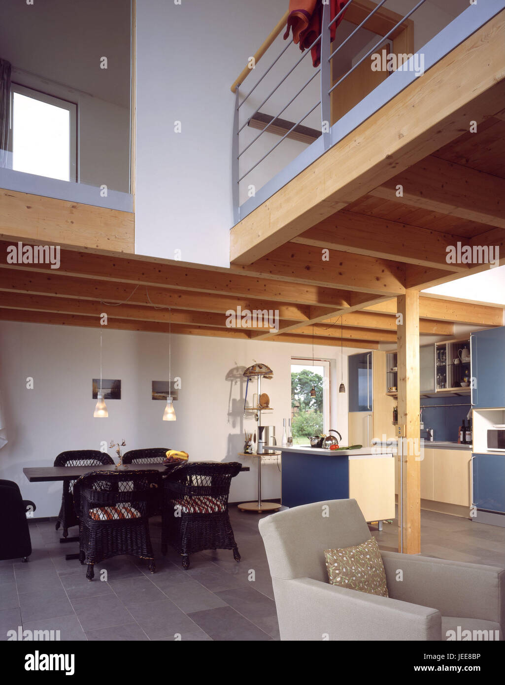 Einfamilienhaus Wohnung, Küche, Esszimmer, Esstisch, Obergeschoss, Galerie,  Moderne, Wohn Haus, Ferienhaus, Ferienwohnung, Wohnung, Wohnzimmer Platz,  ...