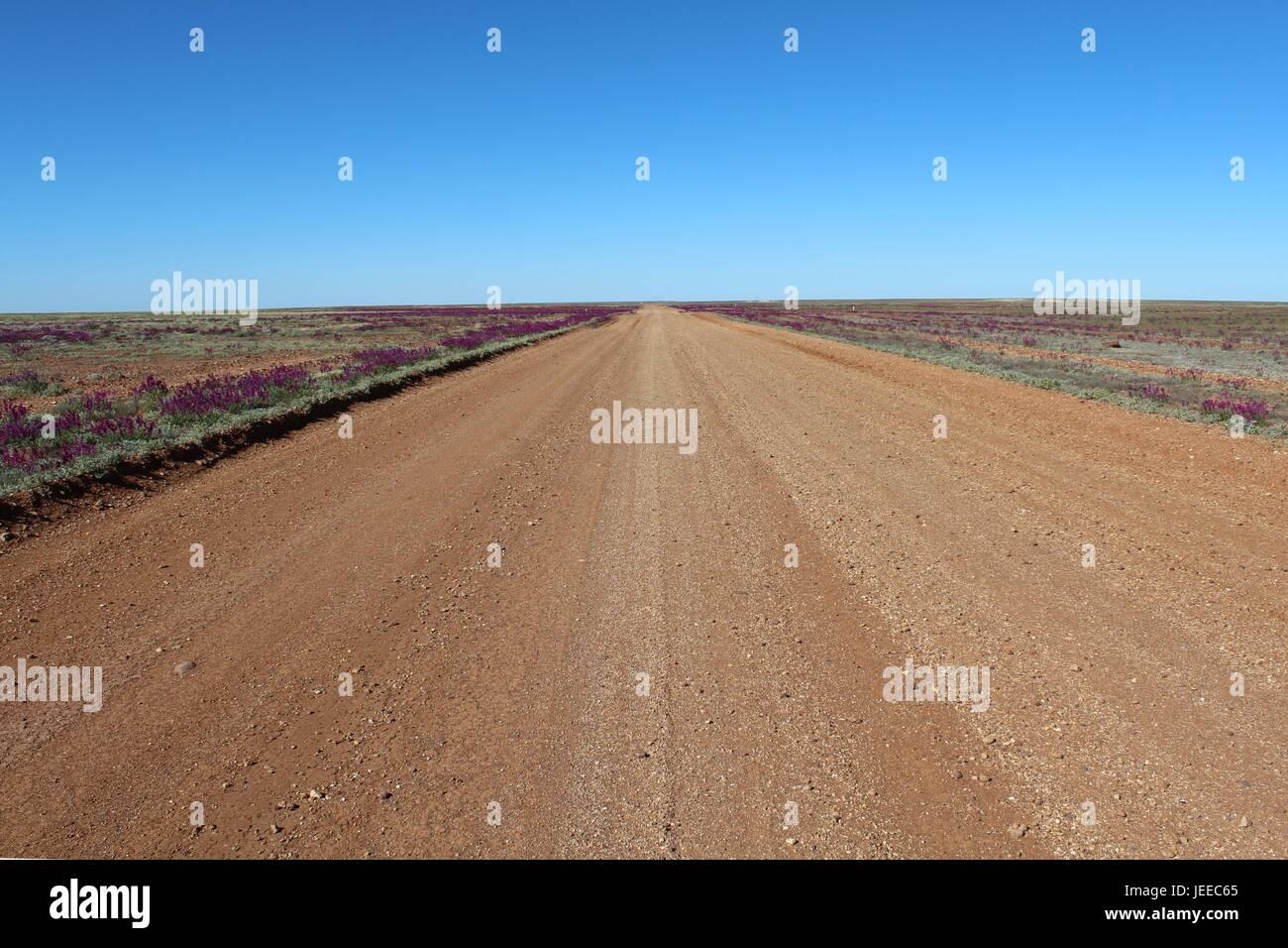 Schotterstraße in nichts von Australien Stockfoto