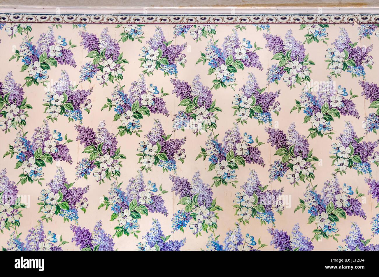 Schöne, Vintage Tapeten mit floralem Design bestehend aus lila und ...