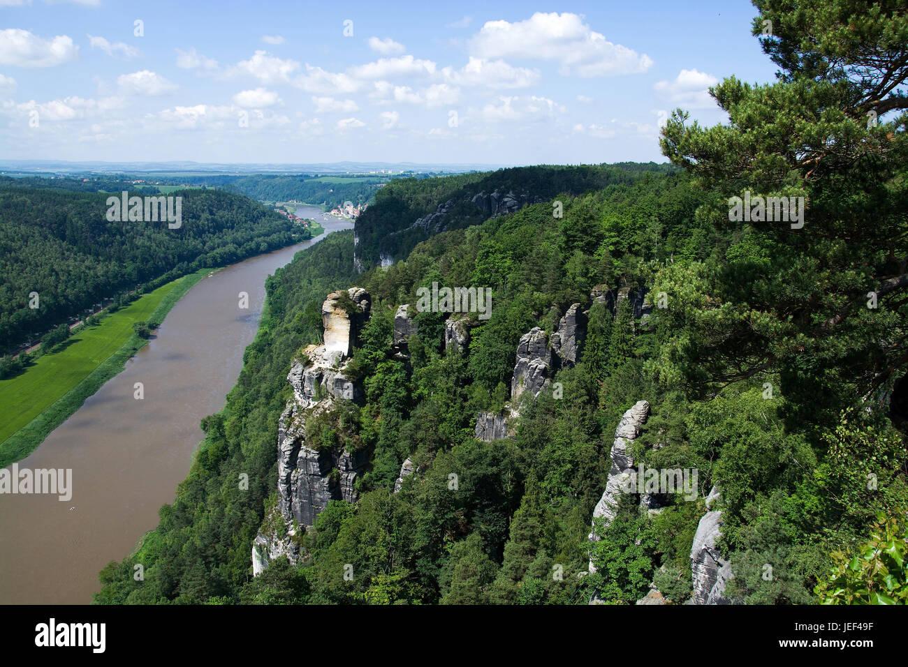 Die Elbe mit des Königs Stein, der Bundesrepublik Deutschland, sterben Elbe Bei Königstein, Sächsische Stockbild