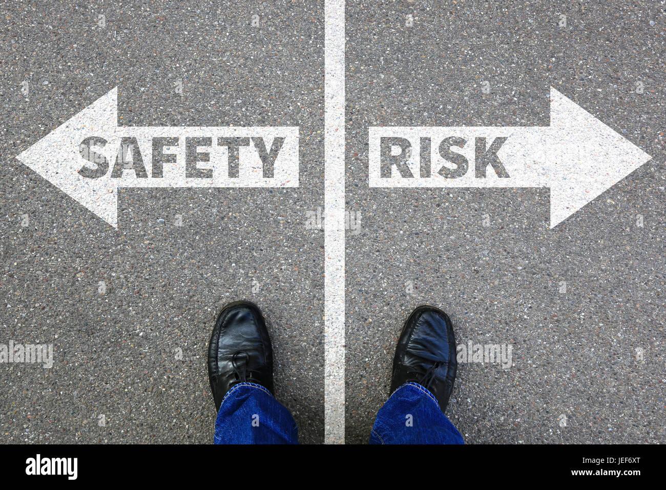 Risiko und Sicherheit Management Bewertung Analyse Unternehmen Business Konzept Geschäftsmann Belohnung Stockbild