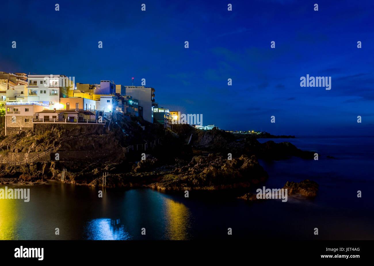 Dunkle Nacht Puerto de Santiago Stockbild