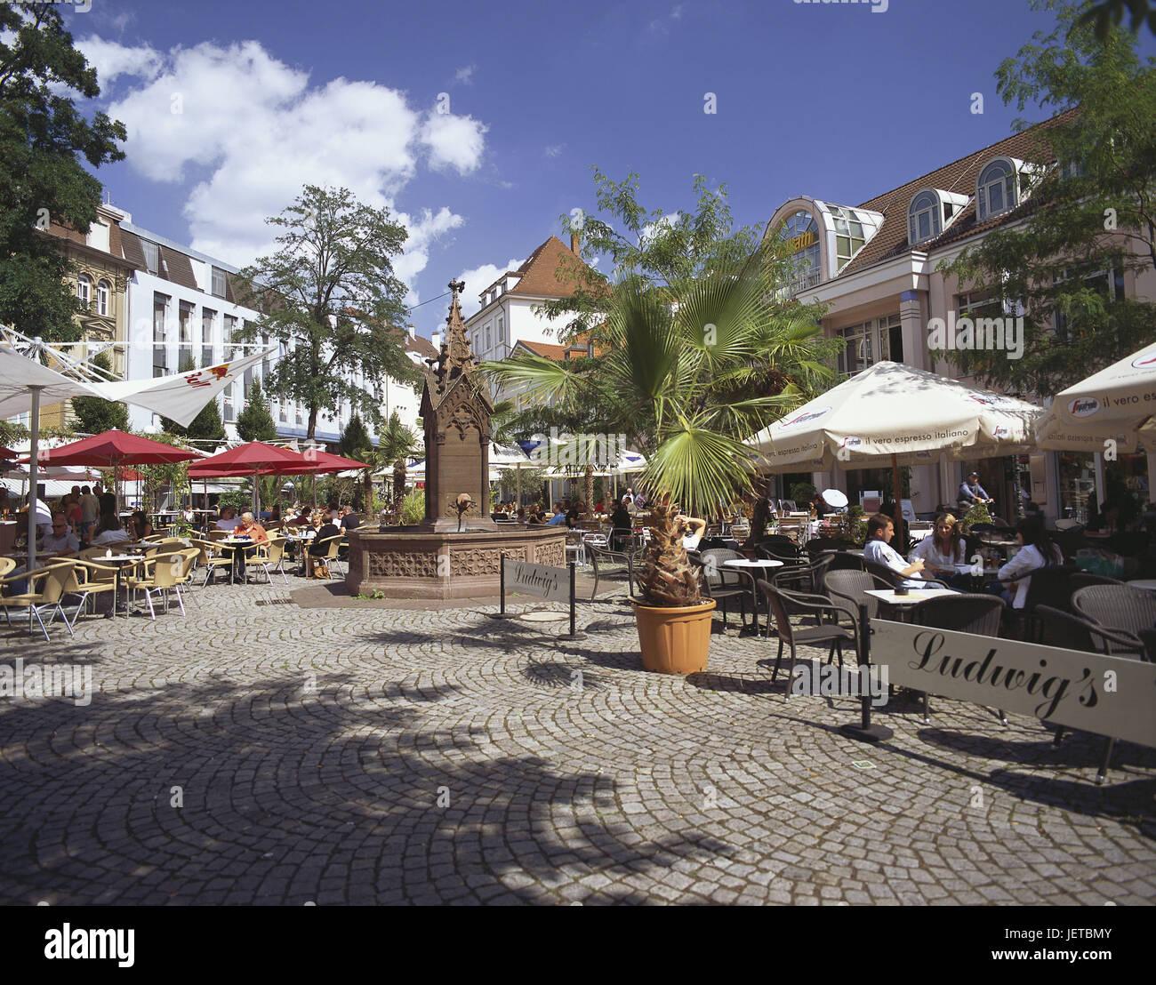 Deutschland Baden Würtemberg Karlsruhe Ludwig Platz Straßencafé