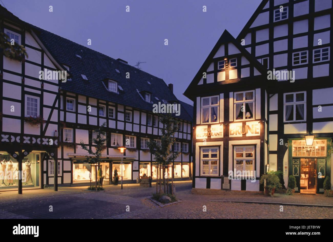 Deutschland, North Rhine-Westphalia, Halle, Altstadt, Fachwerkhäuser ...