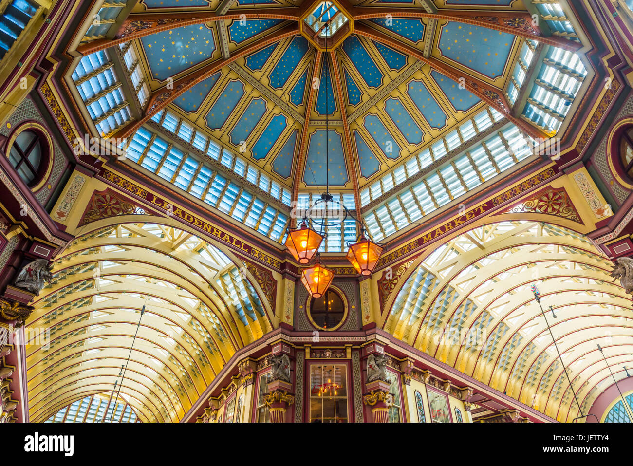 Reich verzierte Decke, Leadenhall Market, London, UK Stockbild