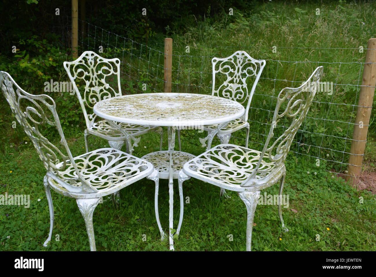 Ornate Garden Furniture Stockfotos & Ornate Garden Furniture Bilder ...