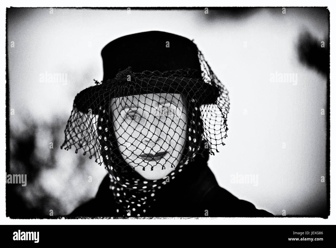 Porträt der Künstlerin, Autorin und Theater Produzent, Beatrix Ost. Stockbild