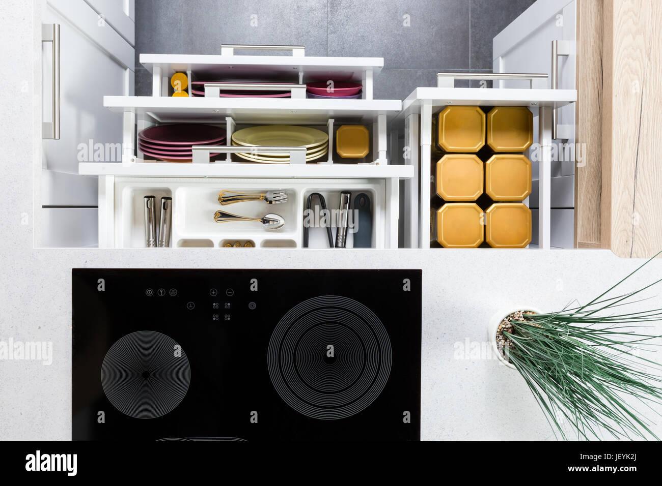 Tolle Küchenschublade Organisatoren Für Töpfe Und Pfannen Galerie ...