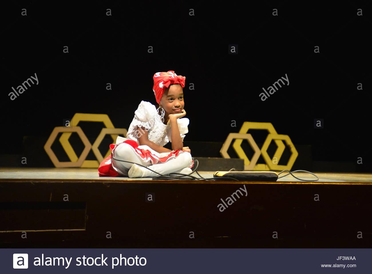 Eine junge Schauspielerin von La Colmenita, Kindertheater Leistung. Stockbild