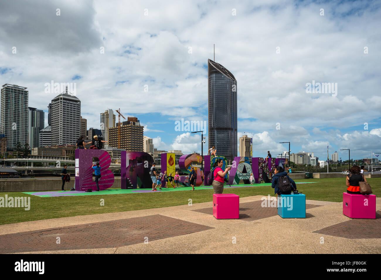 Das Brisbane-Zeichen, ein beliebter Anziehungspunkt für Einheimische und Touristen auf dem Fluss South Bank Stockbild