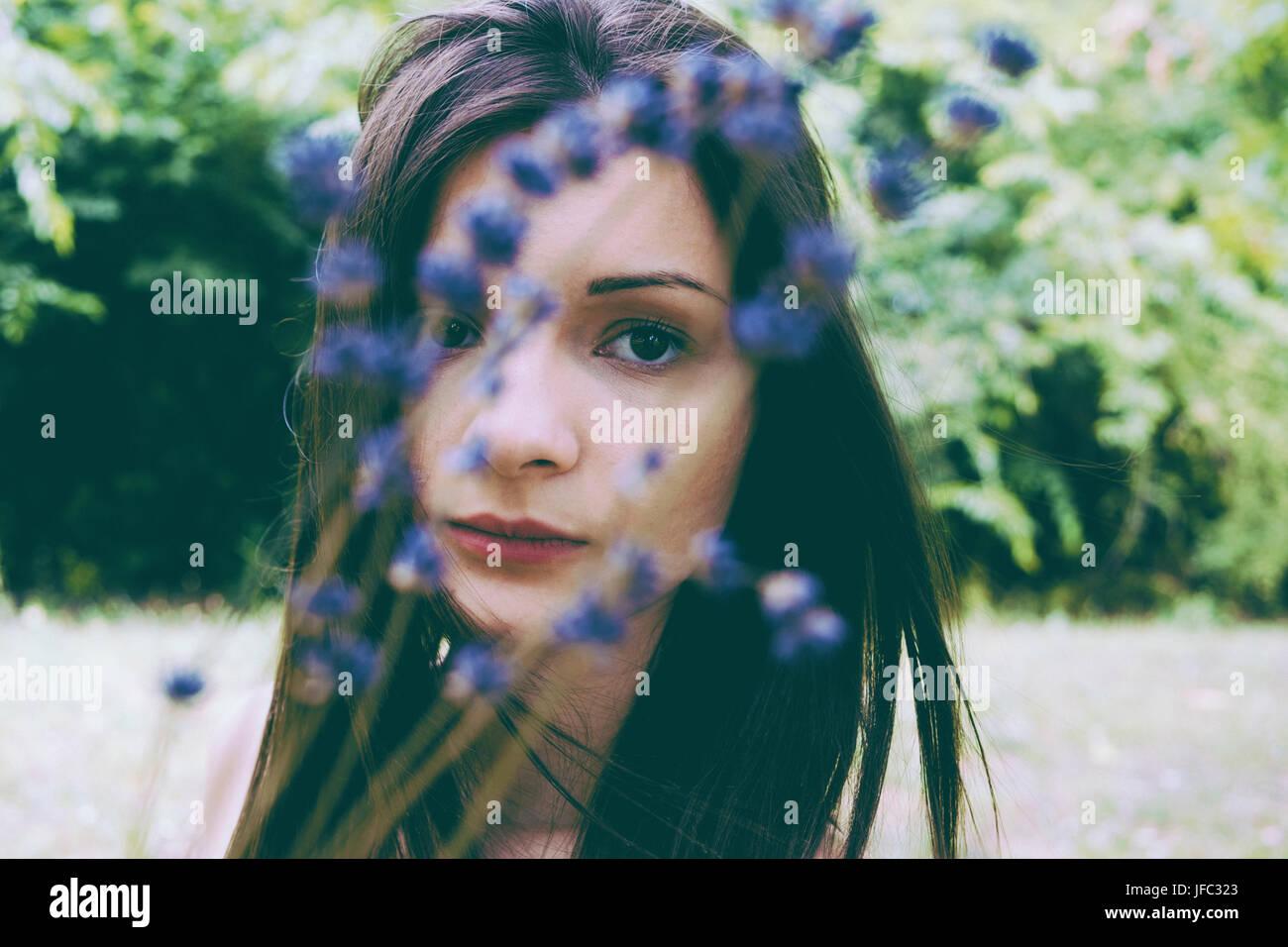 Kreative künstlerische Film Foto schöne Frau Stockbild