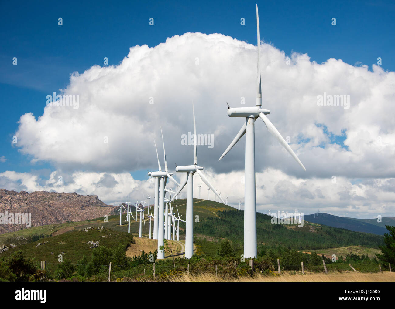 Onshore Wind angetriebenen Anlage Stockbild