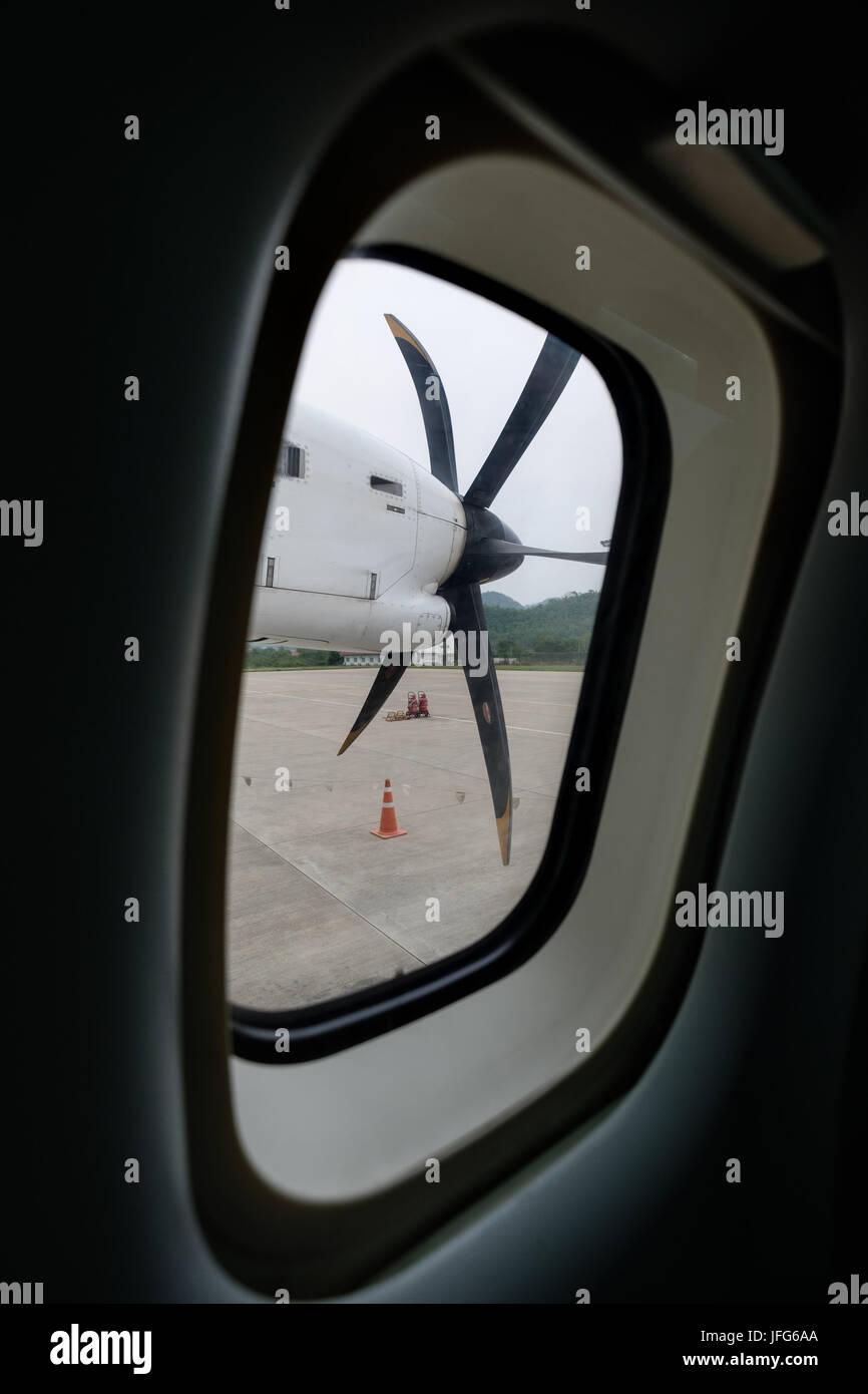 Motor mit einem Propeller Flugzeug von innen gesehen Stockbild