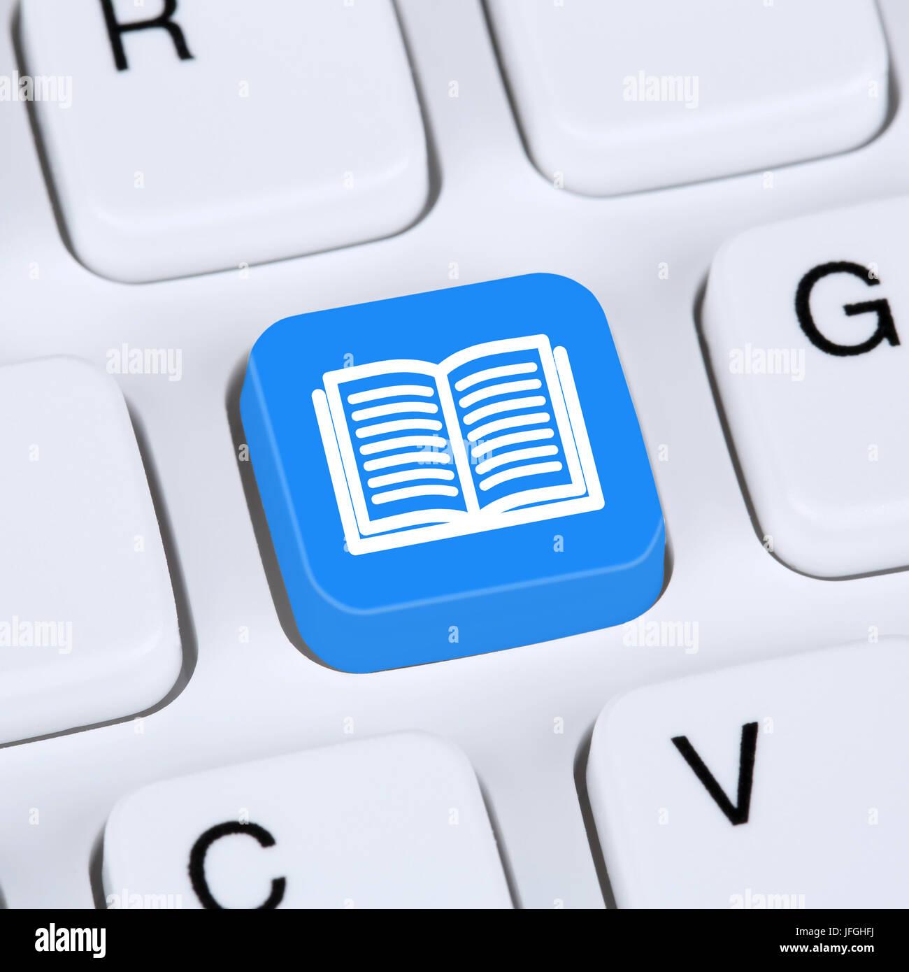 Computer Konzept Buch lesen im Internet Stockbild