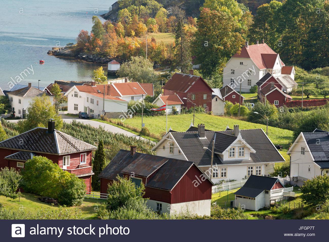 Dorf Solvorn am Lustrafjord, inneren Zweig des Sognefjords, typisch ...