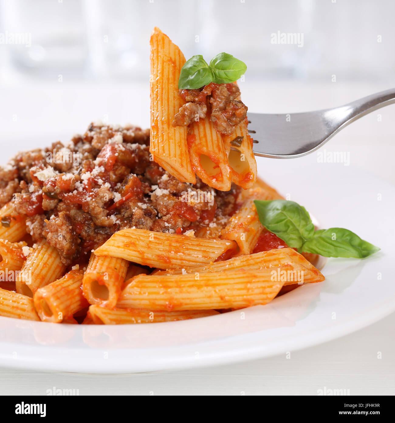 Italienisch Essen Penne Rigate Sauce Bolognese Nudeln Pasta Gericht Stockbild