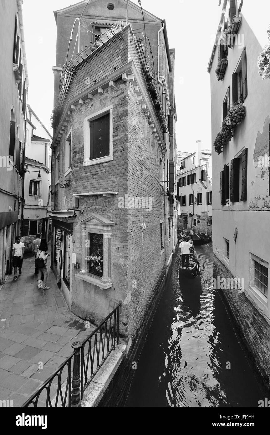 Die venezianische Gassen, Straßen und Kanäle im Alltag, Italien Stockbild