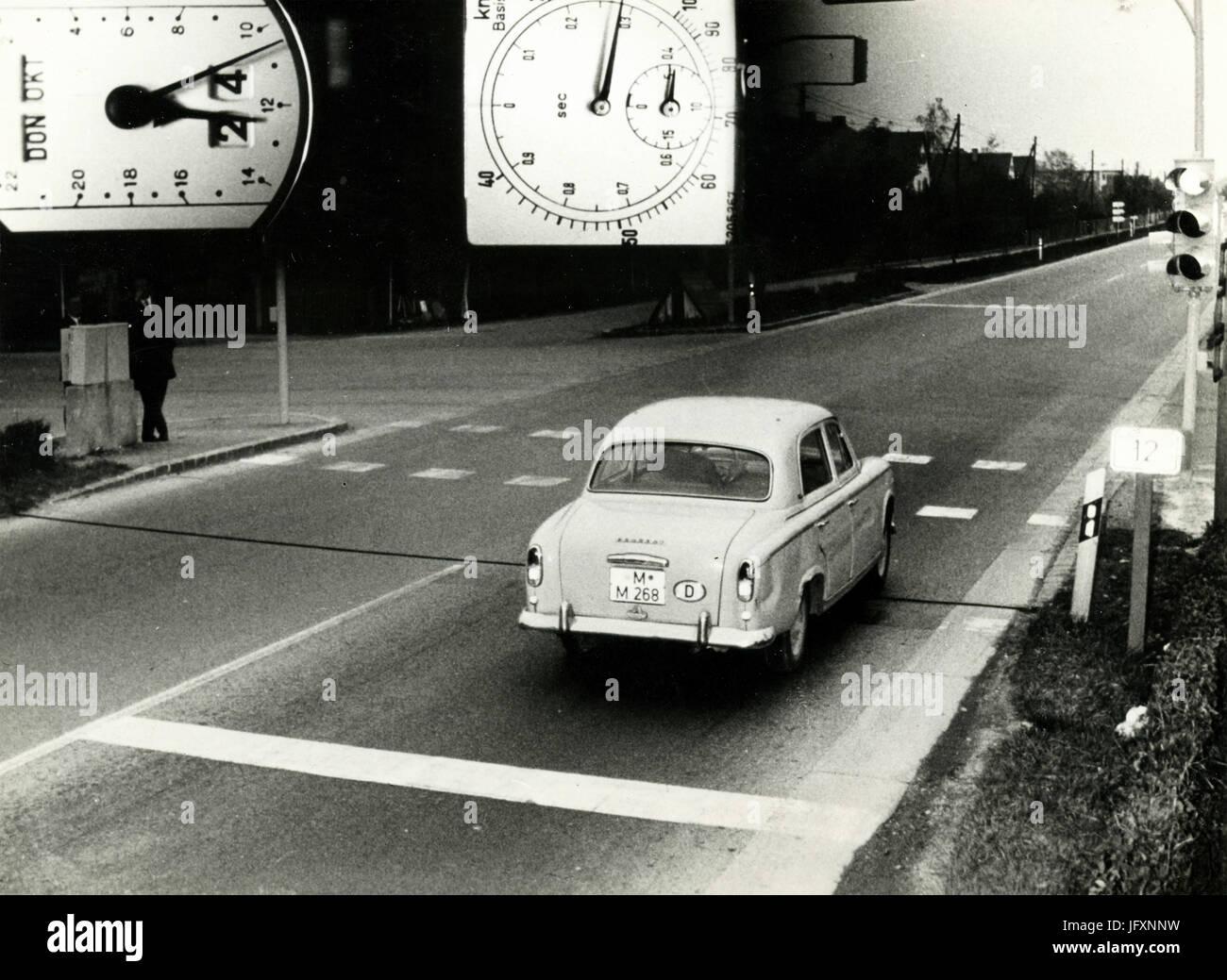 Die ersten Blitzer Ordnung in der Bundesrepublik Deutschland, 1964 Stockbild