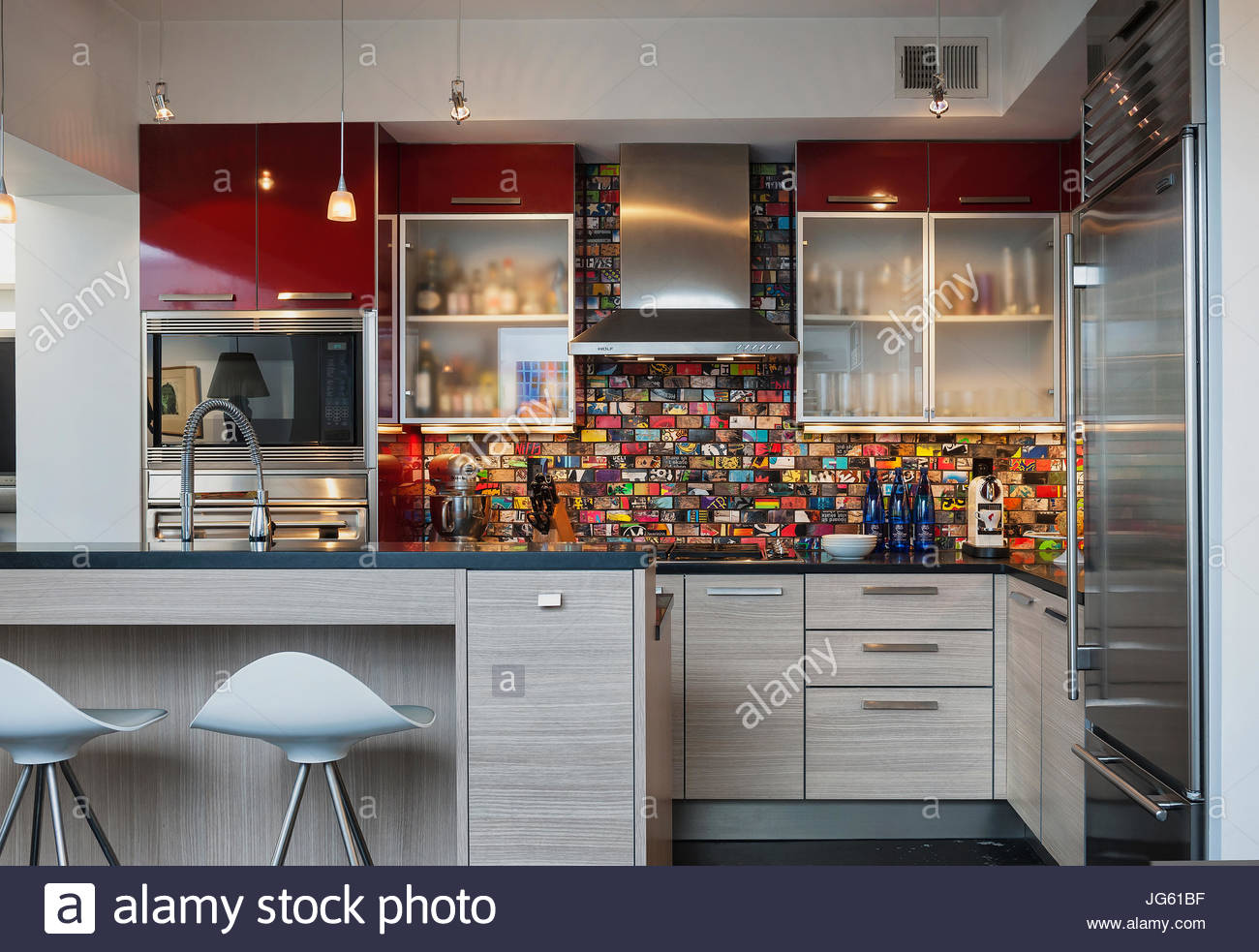 Gemütlich Gehobene Küche Aufkantung Galerie - Küchenschrank Ideen ...