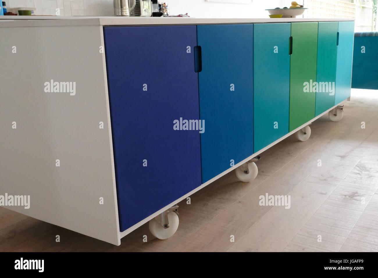 Bewegliche Küche Insel auf Rollen Stockfoto, Bild: 147749345 - Alamy