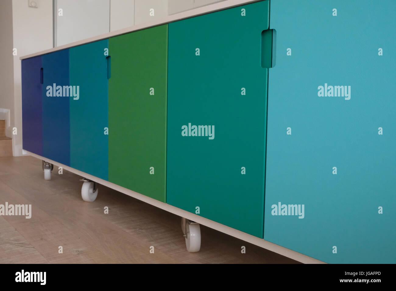 Bewegliche Küche Insel auf Rollen Stockfoto, Bild: 147749349 - Alamy