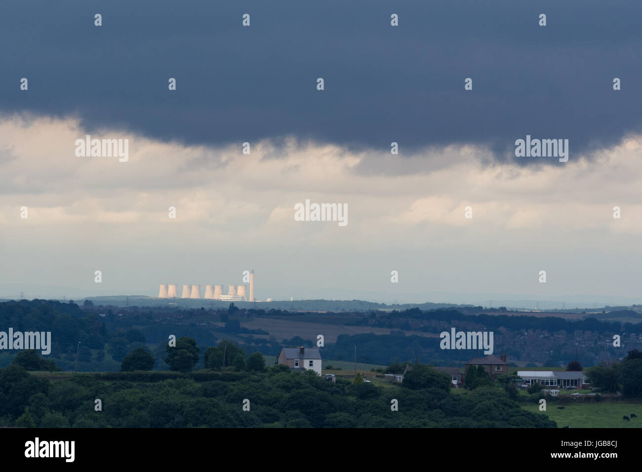 Eggborough Kohlekraftwerk Kraftwerk unter einem Gewitterhimmel, North Yorkshire, England, UK Stockbild