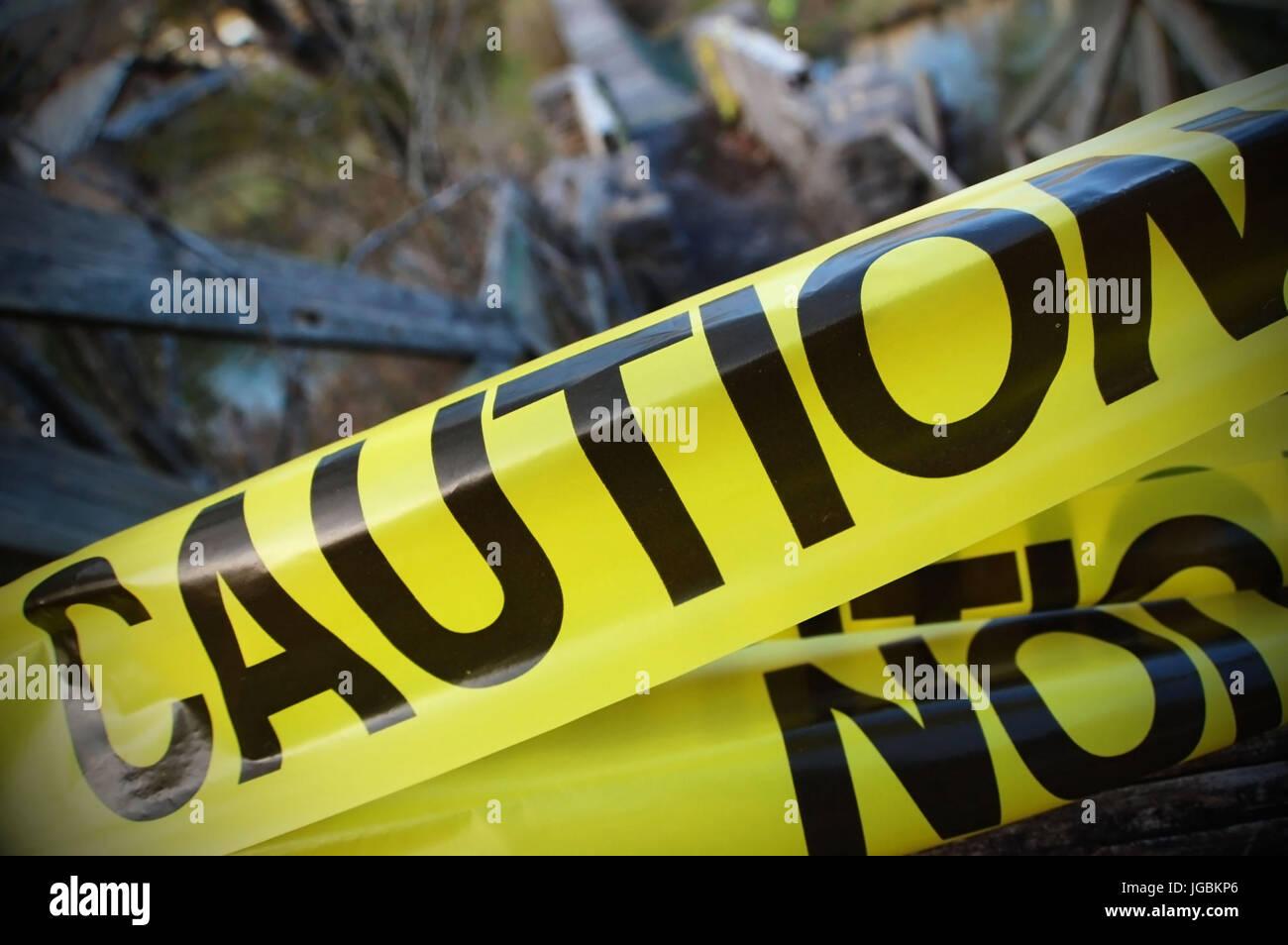 Vorsicht Band grenzt an einen Tatort. Stockbild