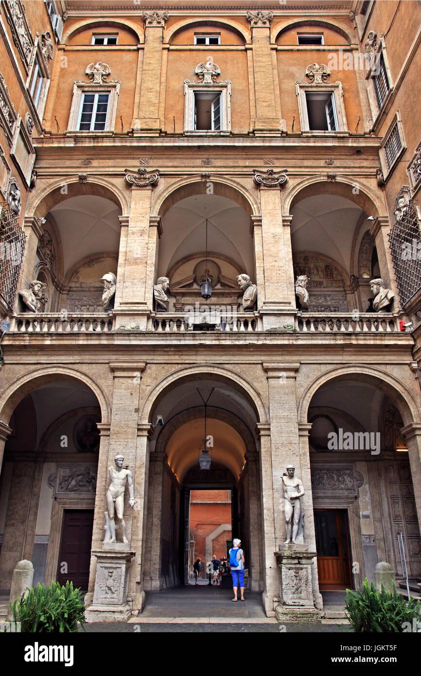 Im Innenhof des Centro Italiano Studi Americani (italienische Zentrum für Amerikastudien), Rom, Italien. Stockbild